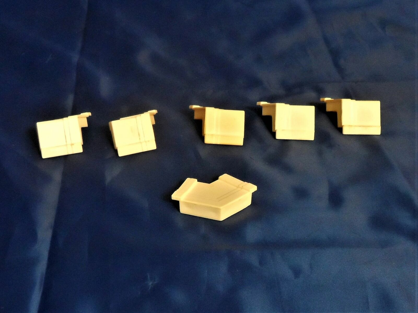 1990 Barbie Magical Mansion Replacement Parts - Roof Corner Trim Supports (6)
